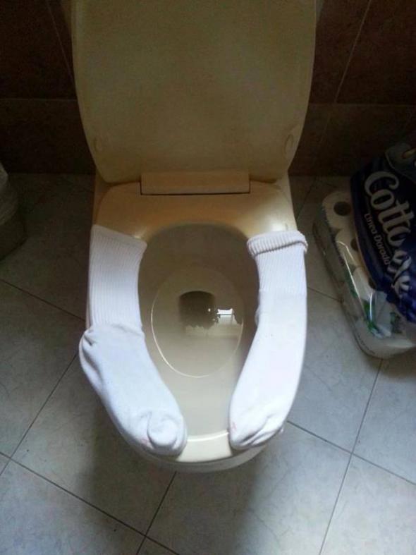 ToiletSeatSocks