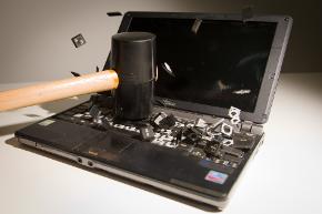 laptopdestruction
